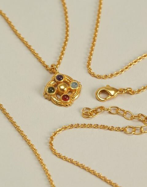 collar medalla piedras baño de oro