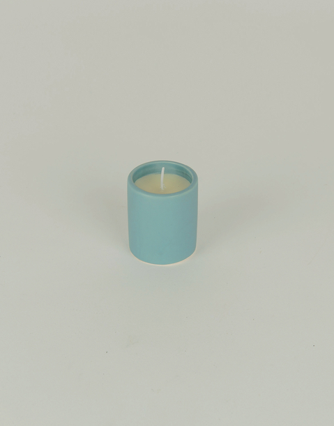 small fig ceramic candle