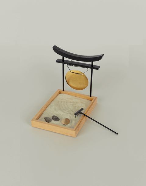 jardin zen con gong
