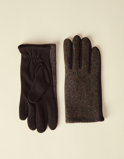 touch effect man squares glove