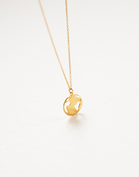 collier médaillon monde doré