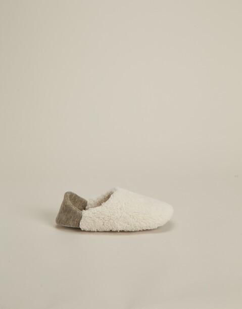 closed slipper