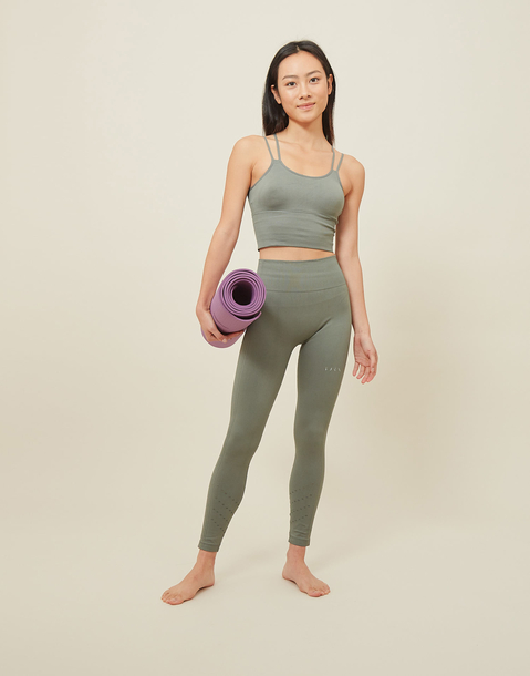 legging prasarita born living yoga