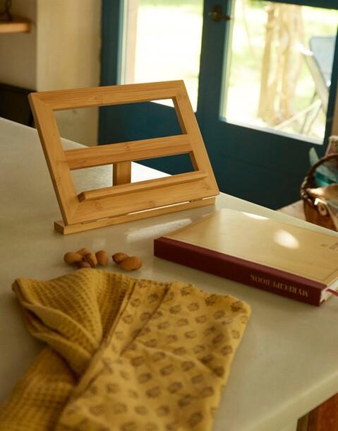 soporte libros/tablet de bambú