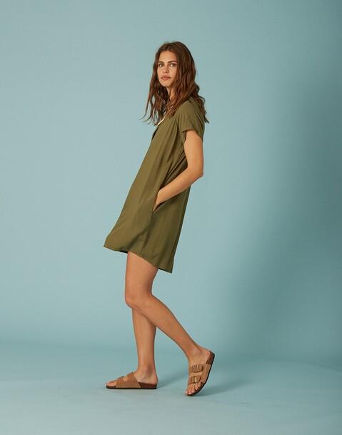 kurzärmeliges kleid mit taschen