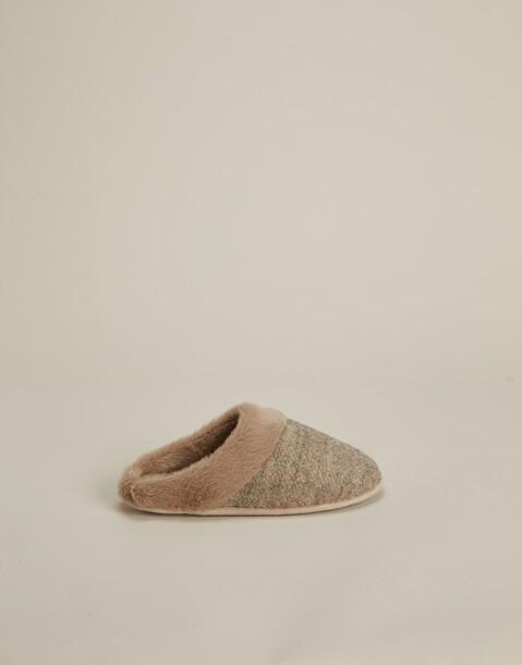 pantofole tonalità calde
