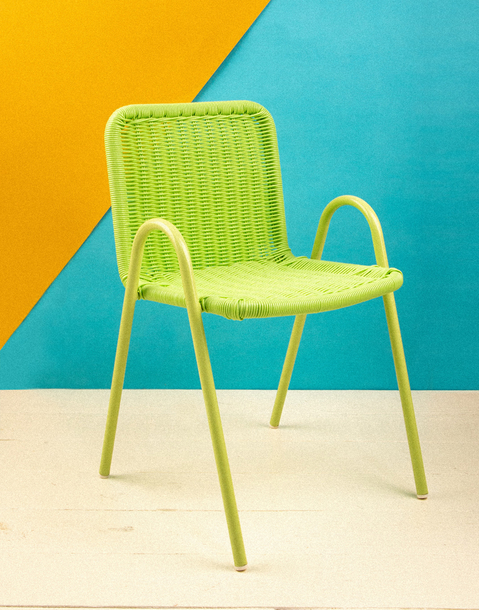 silla infantil de resina verde