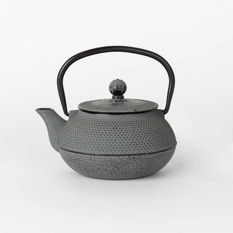 IRON TEAPOT 650 ML