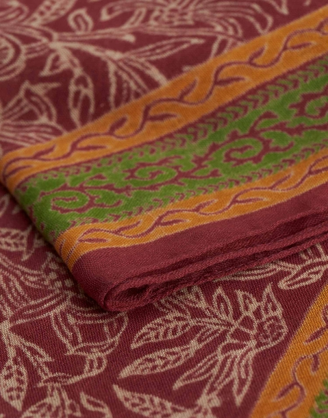 leaves and edges printed foulard