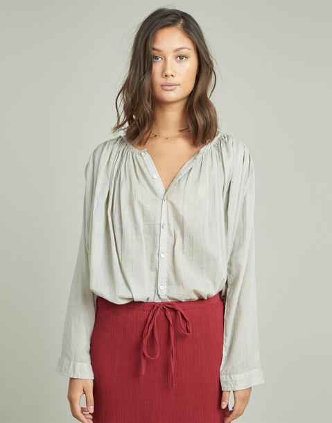 blusa fruncida