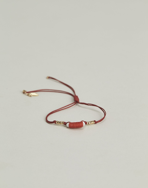 adjustable thread shell bracelet
