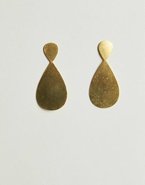 gilded teardrop earring