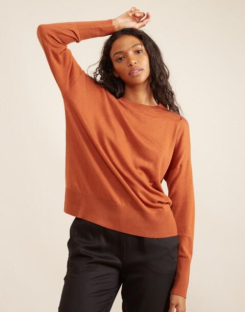einfacher pullover mit rundhalsausschnitt