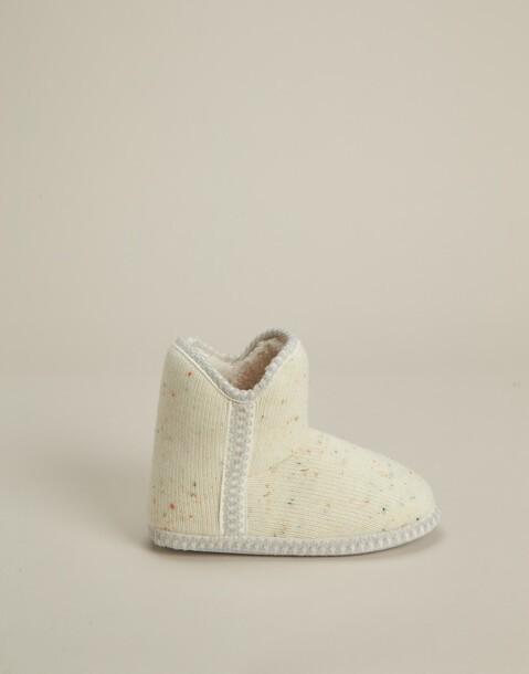 zapatilla bota contraste