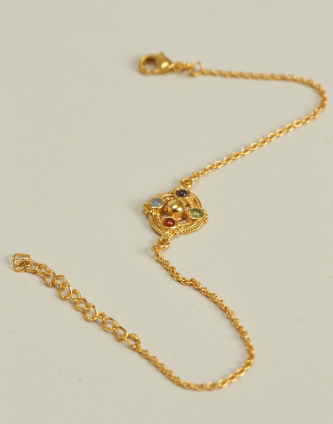 vergoldetes armband mit edelsteinen