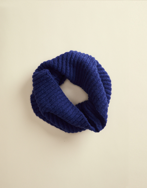 ribbed rounded scarf