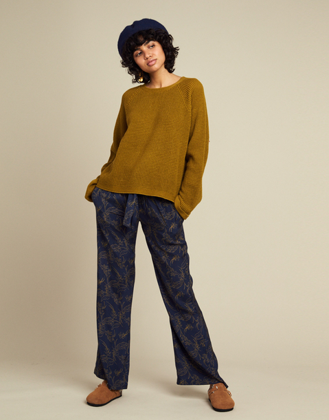 long printed pull-on pant