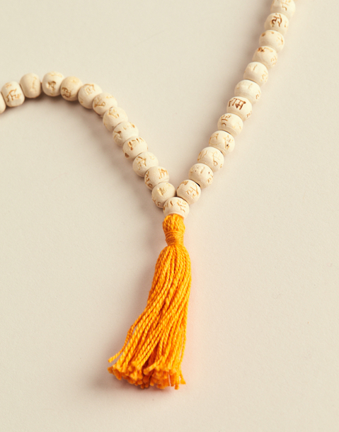 WOODEN MALA MANTRA NECKLACE