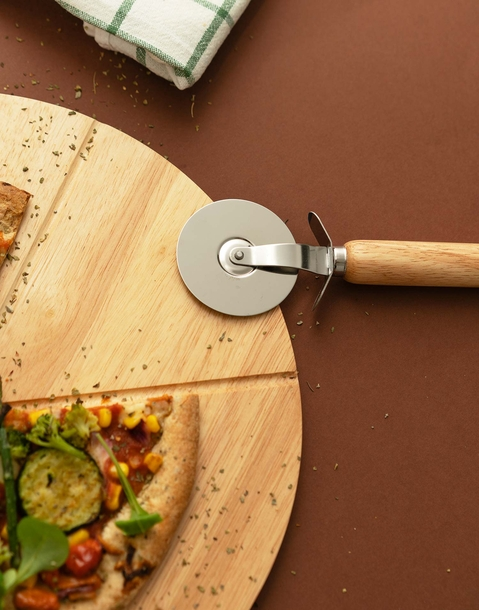 pizza wood table with cutter