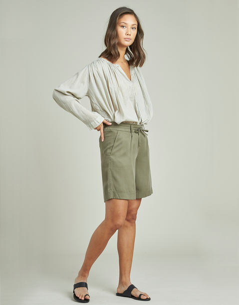 tencel bermuda shorts with belt