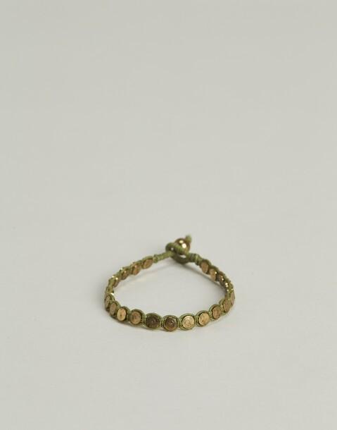 bracelet fil médailles métalliques