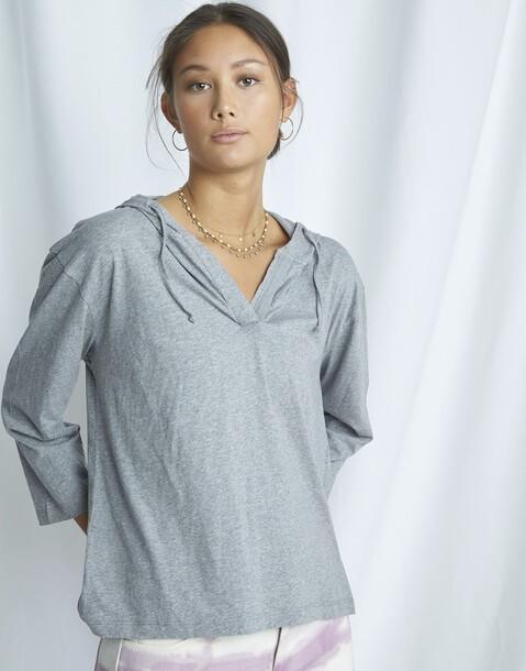camiseta orgánica con capucha