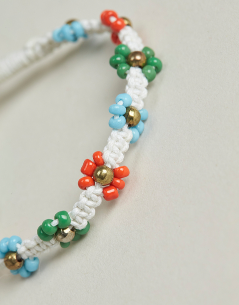 bracelet fil marguerites multicolores