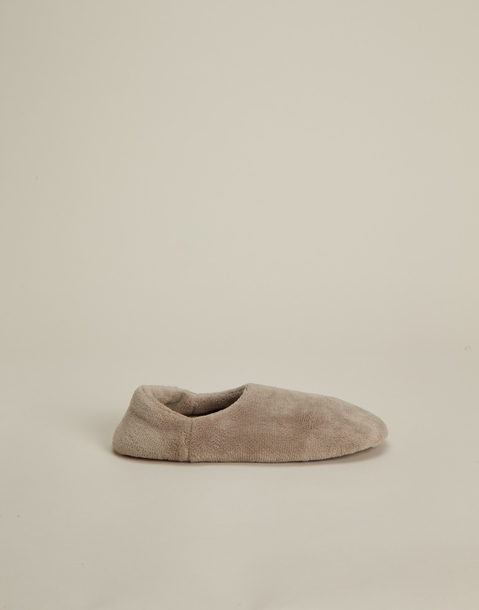 basic closed slipper