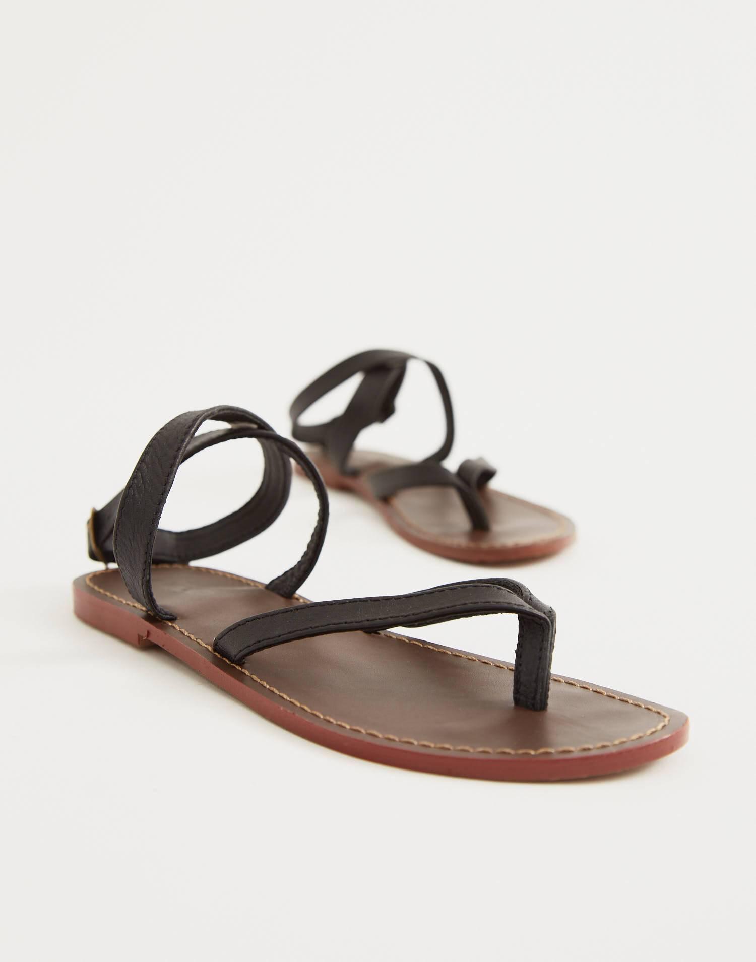 Sandalia piel tiras dedo