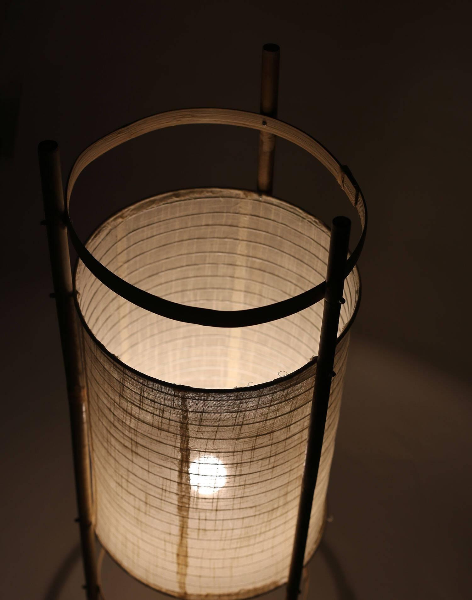 Lámpara de pie cilíndrica tela y caña