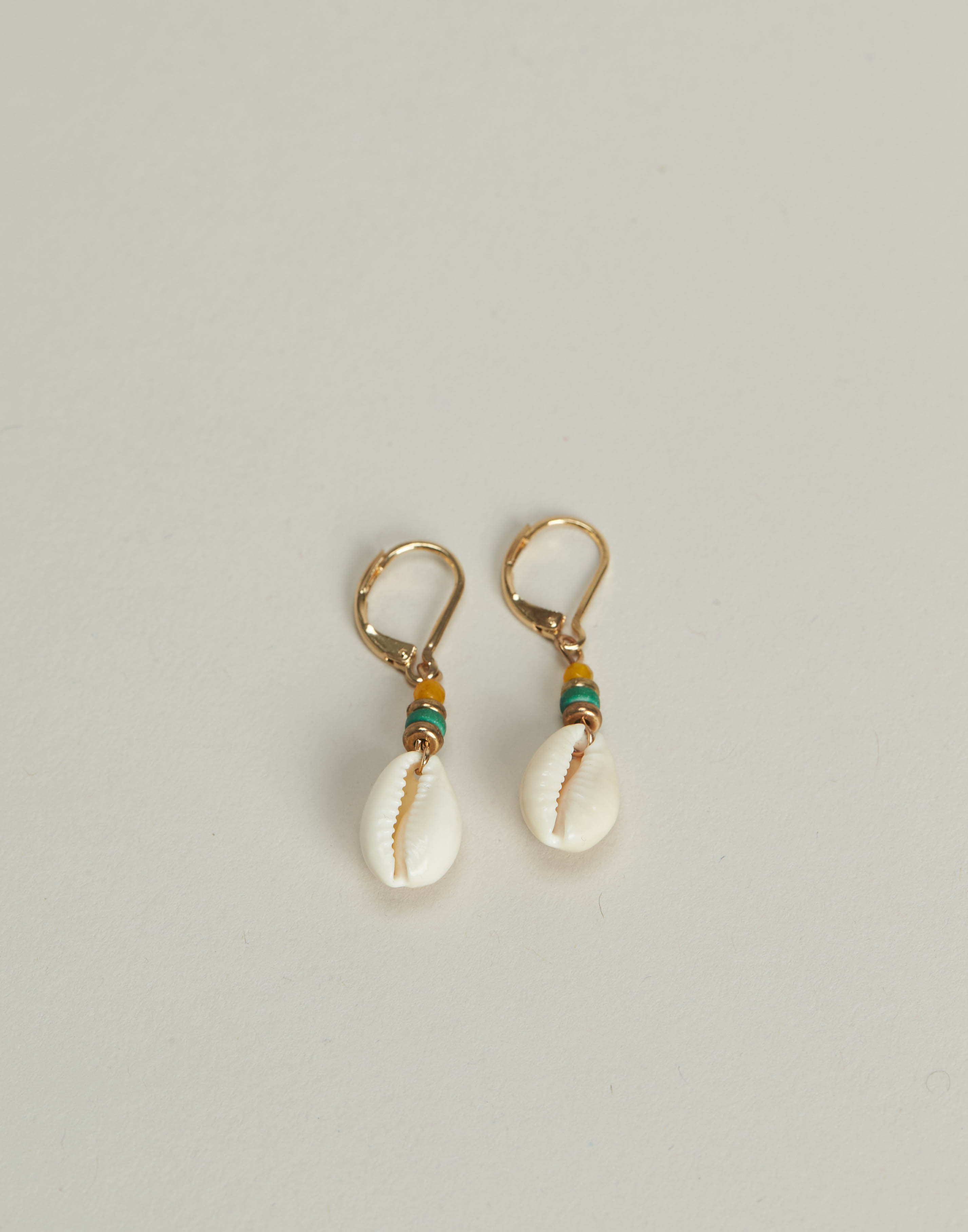 Shell and stones earring