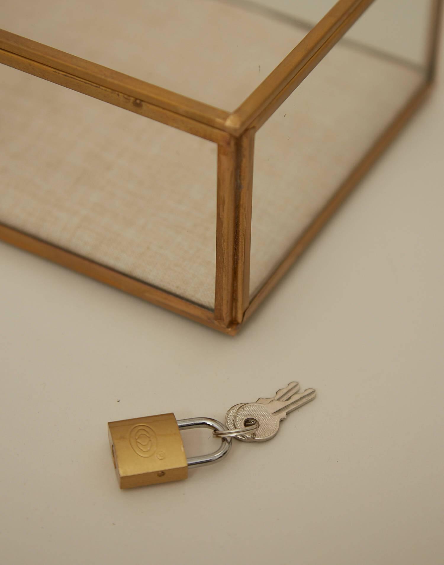 Petite boîte en verre doublée