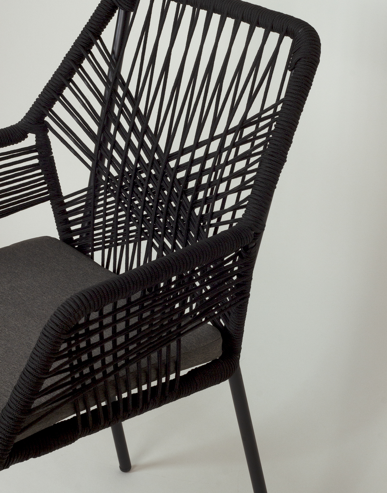Outdoor rope chair
