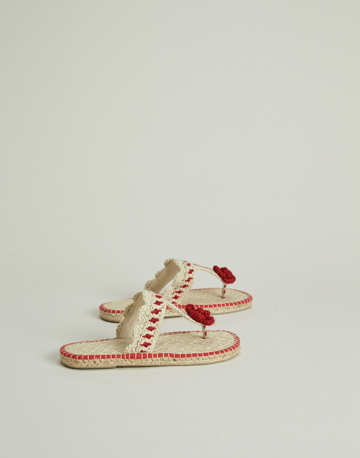 Flower crocheted hemp sandal