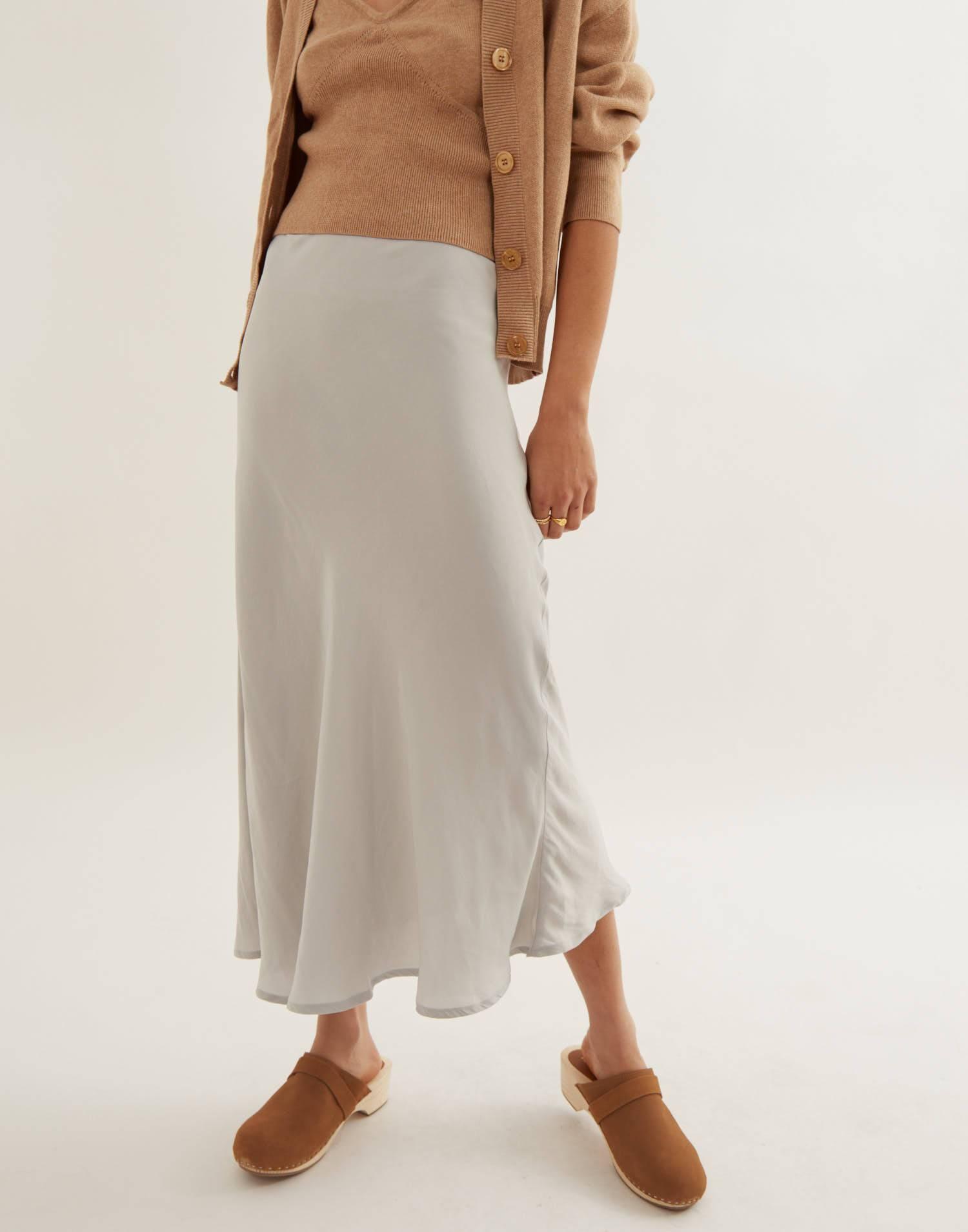 Falda midi lisa