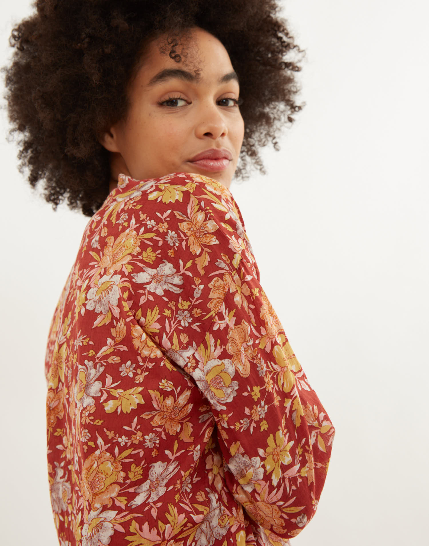 Camicia collo serafino stampa fiori