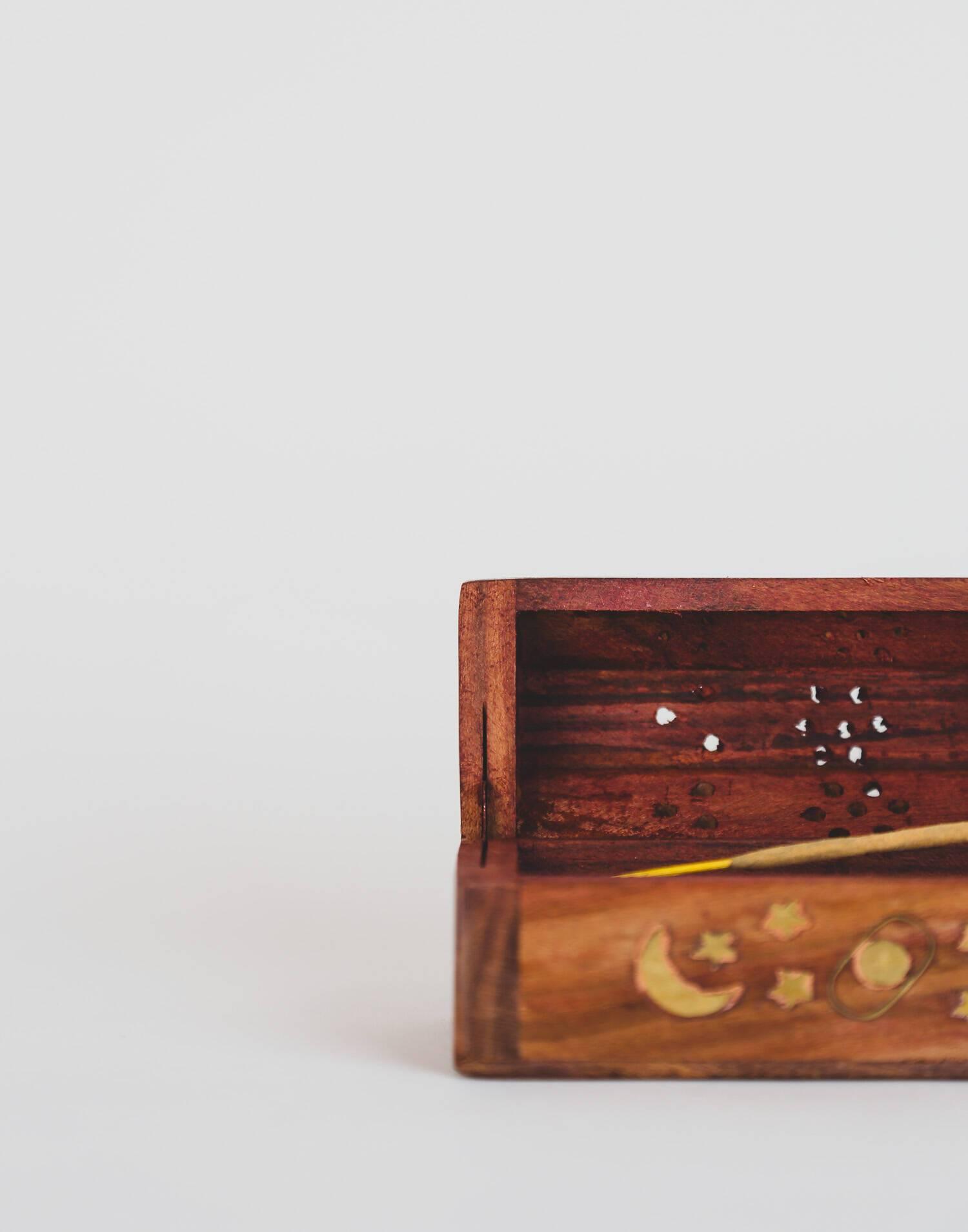 Inciensario madera caja baúl