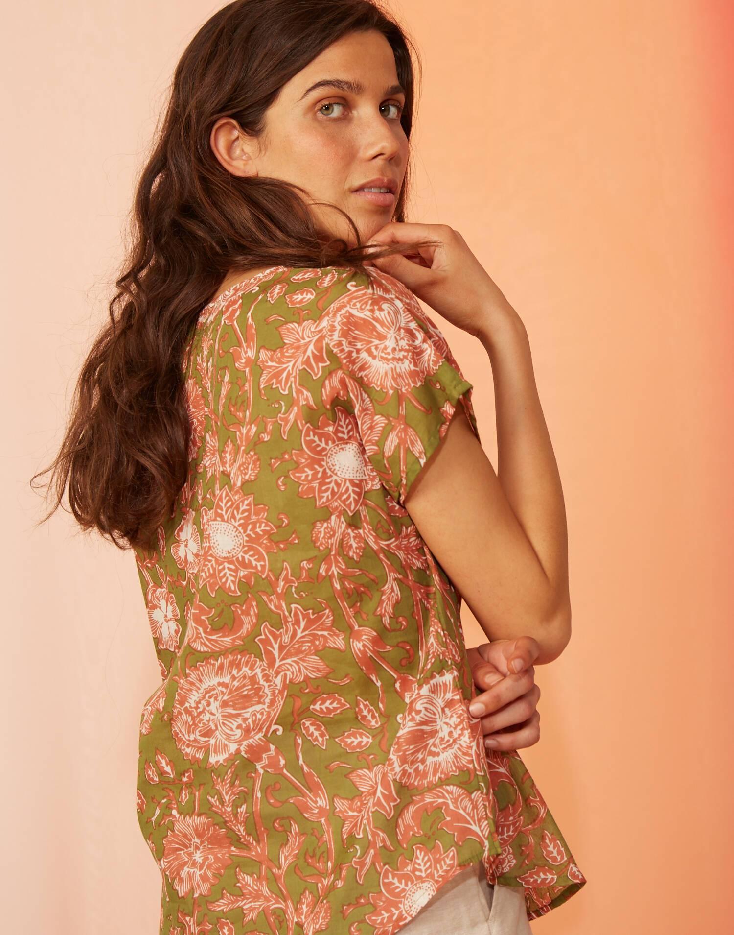 Blusa floral manga corta