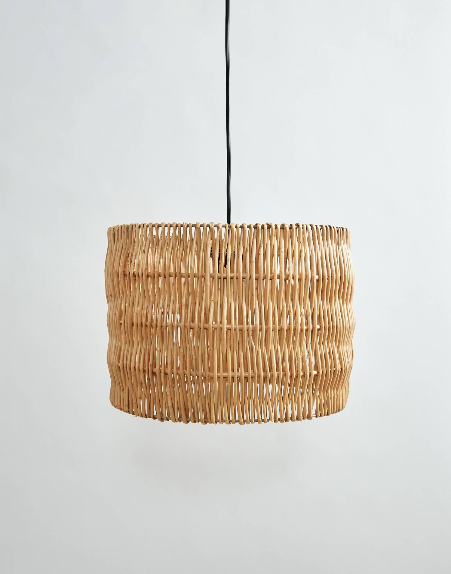 Lámpara de techo de mimbre