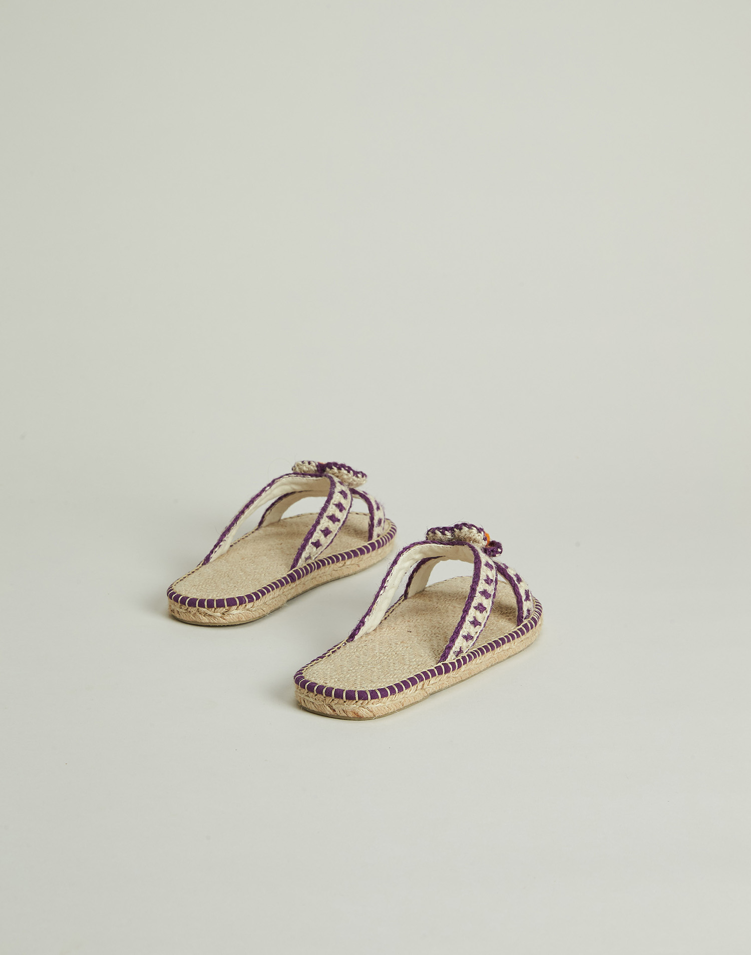 Daisy crocheted hemp sandal