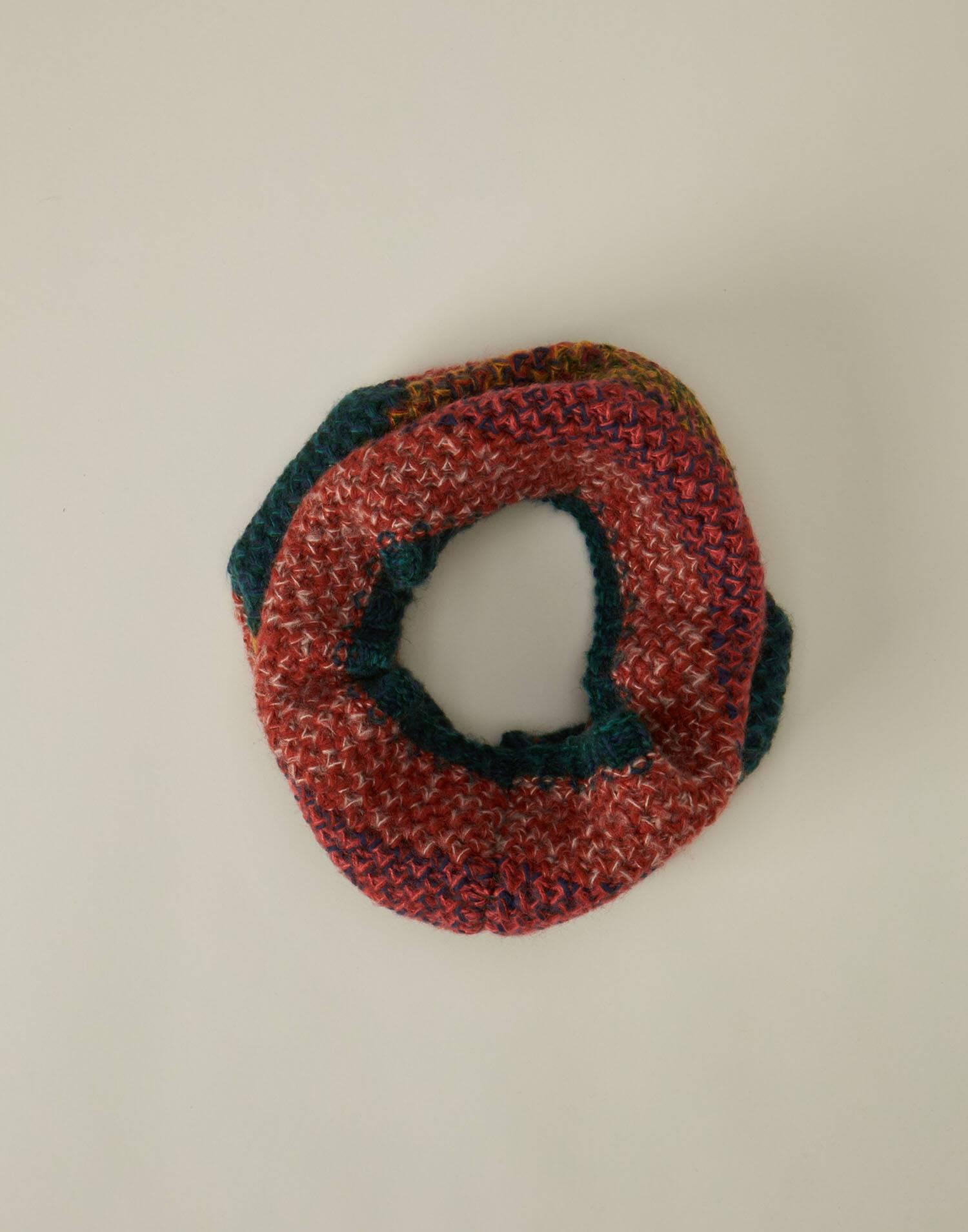 Striped knit neck scarf