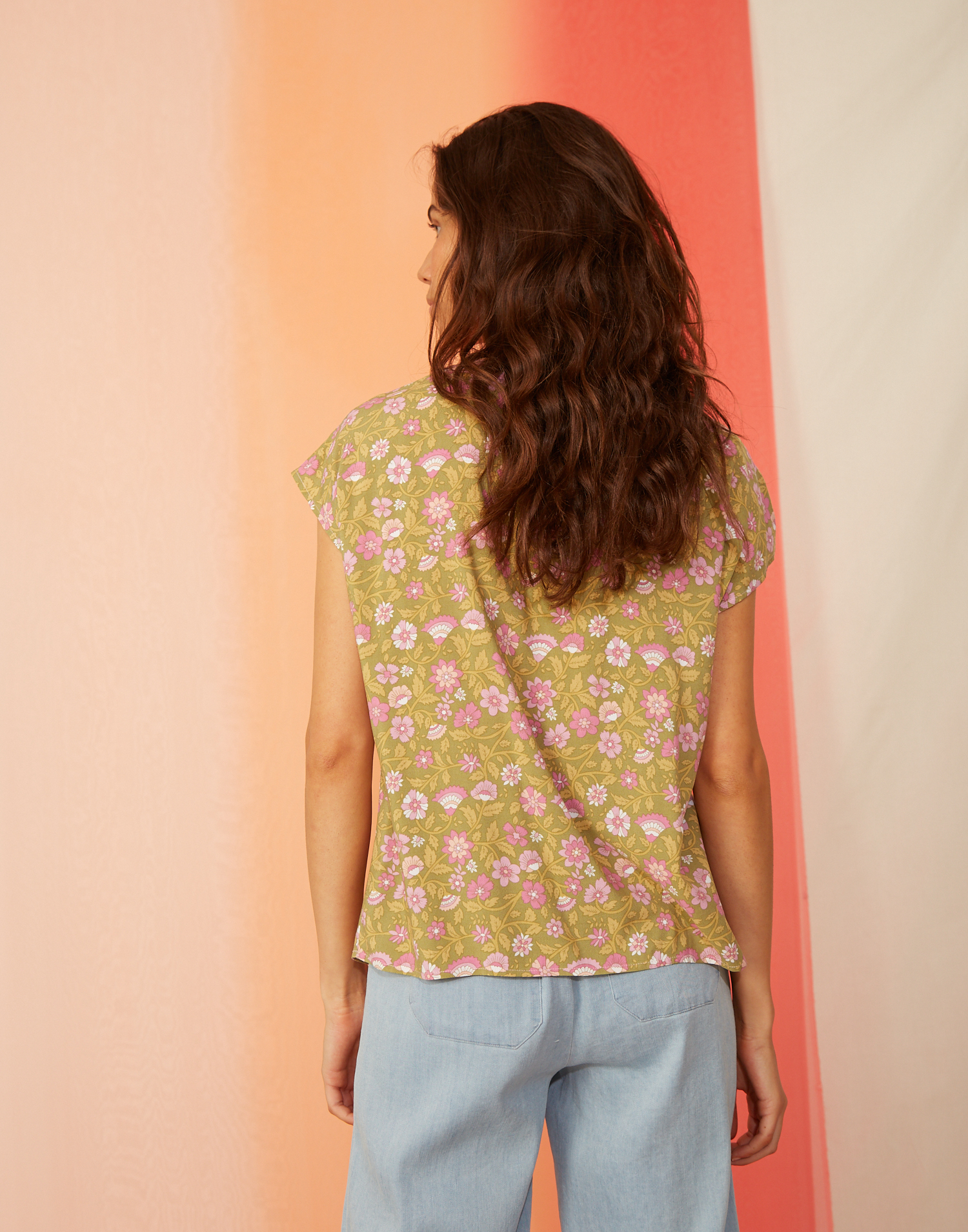 T-shirt manches courtes v