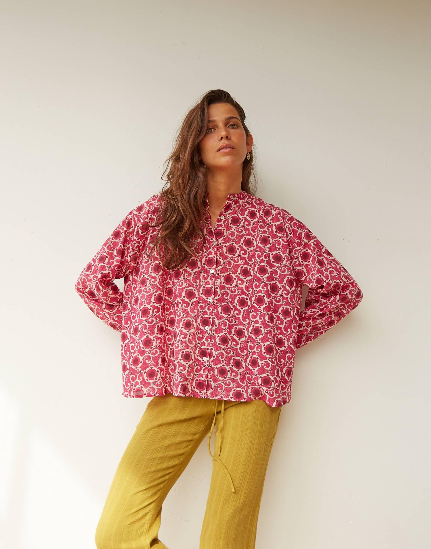 Blusa mao print flor