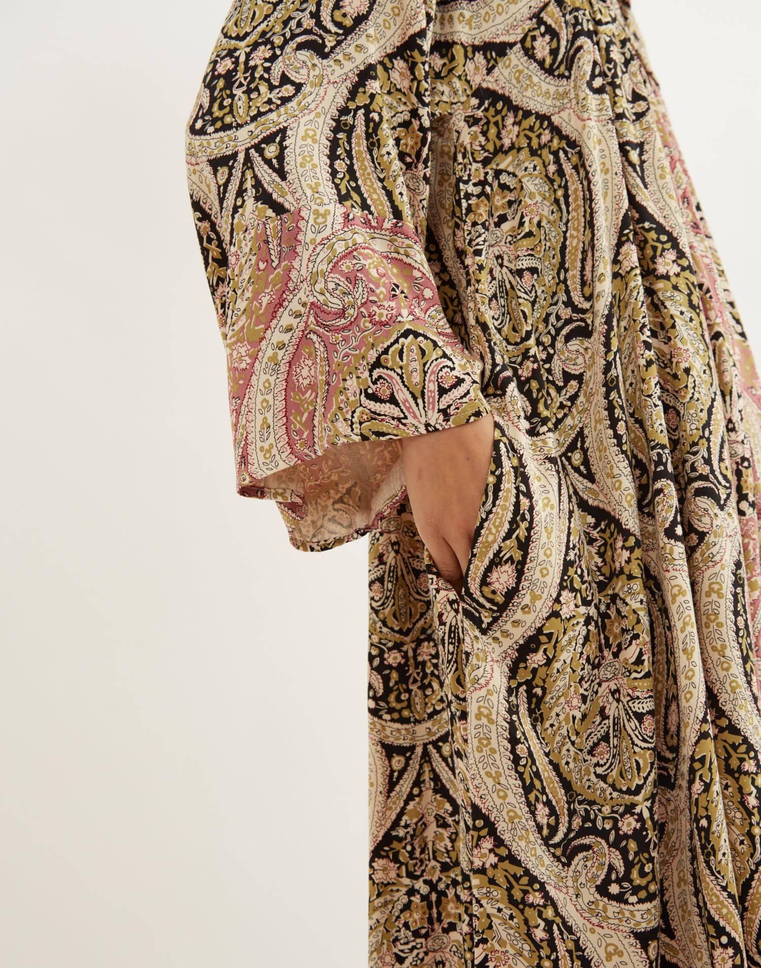 Vestido midi estampado paisley
