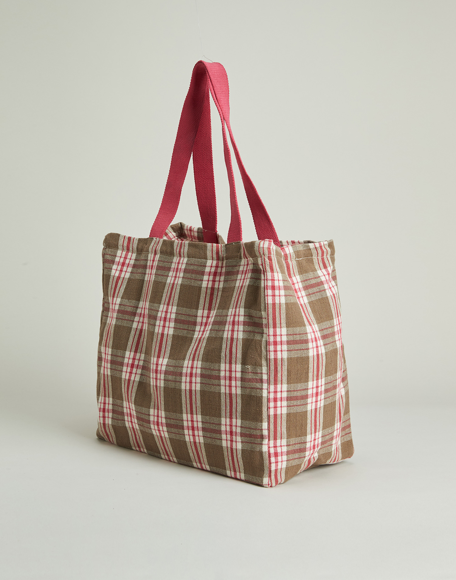 Tote bag with contrasted handles