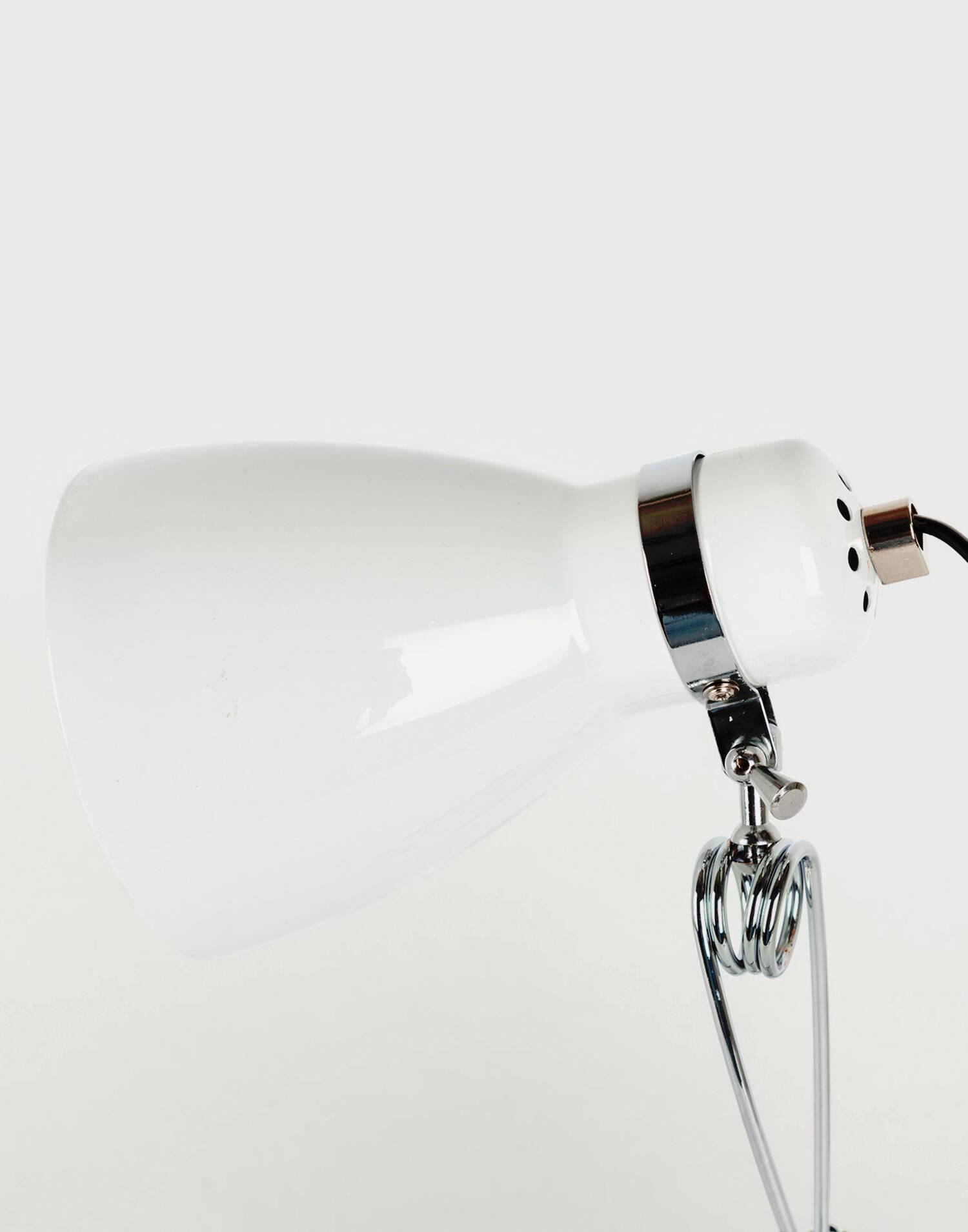 Cone clamp lamp