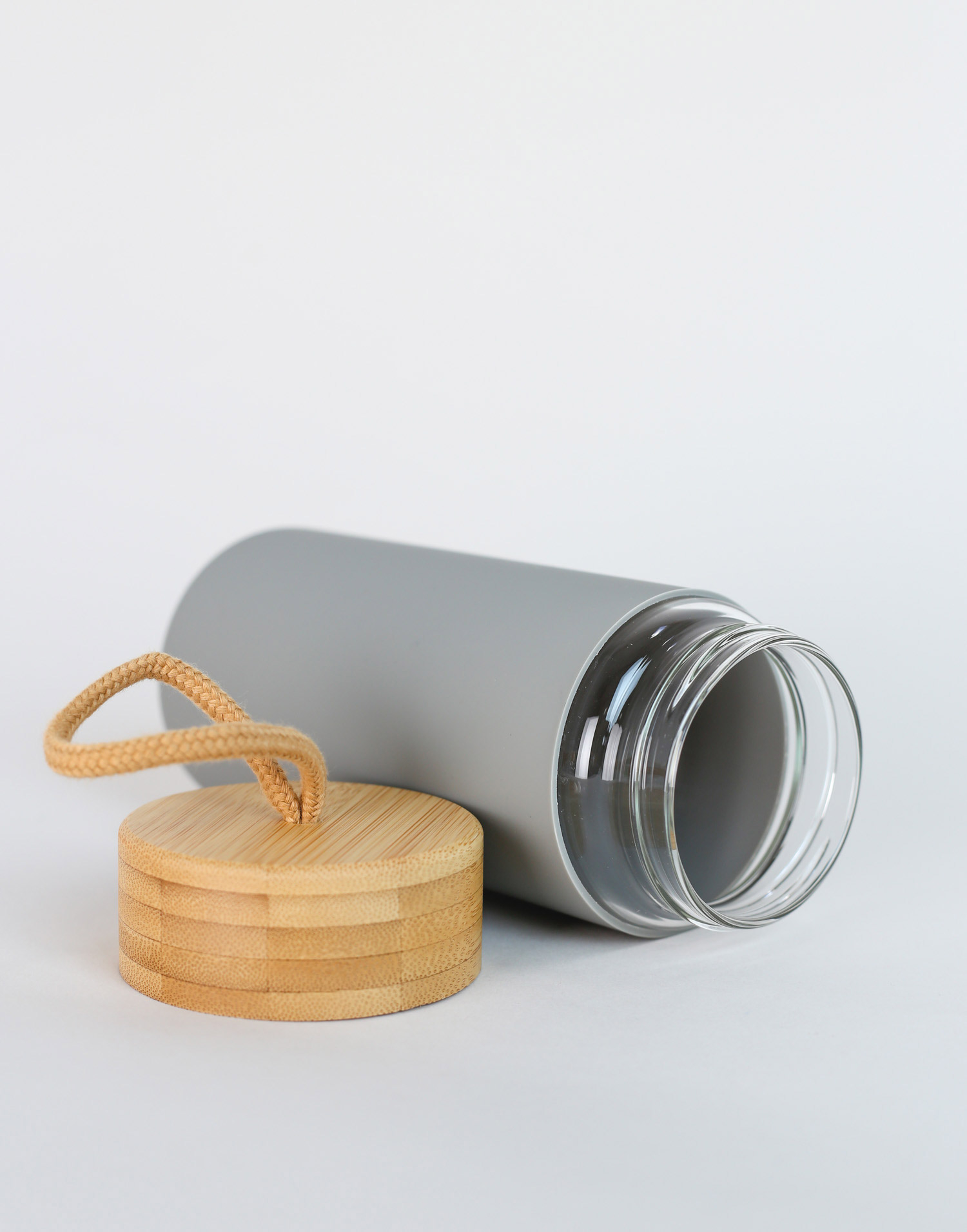 Reusable glass bottle with handle