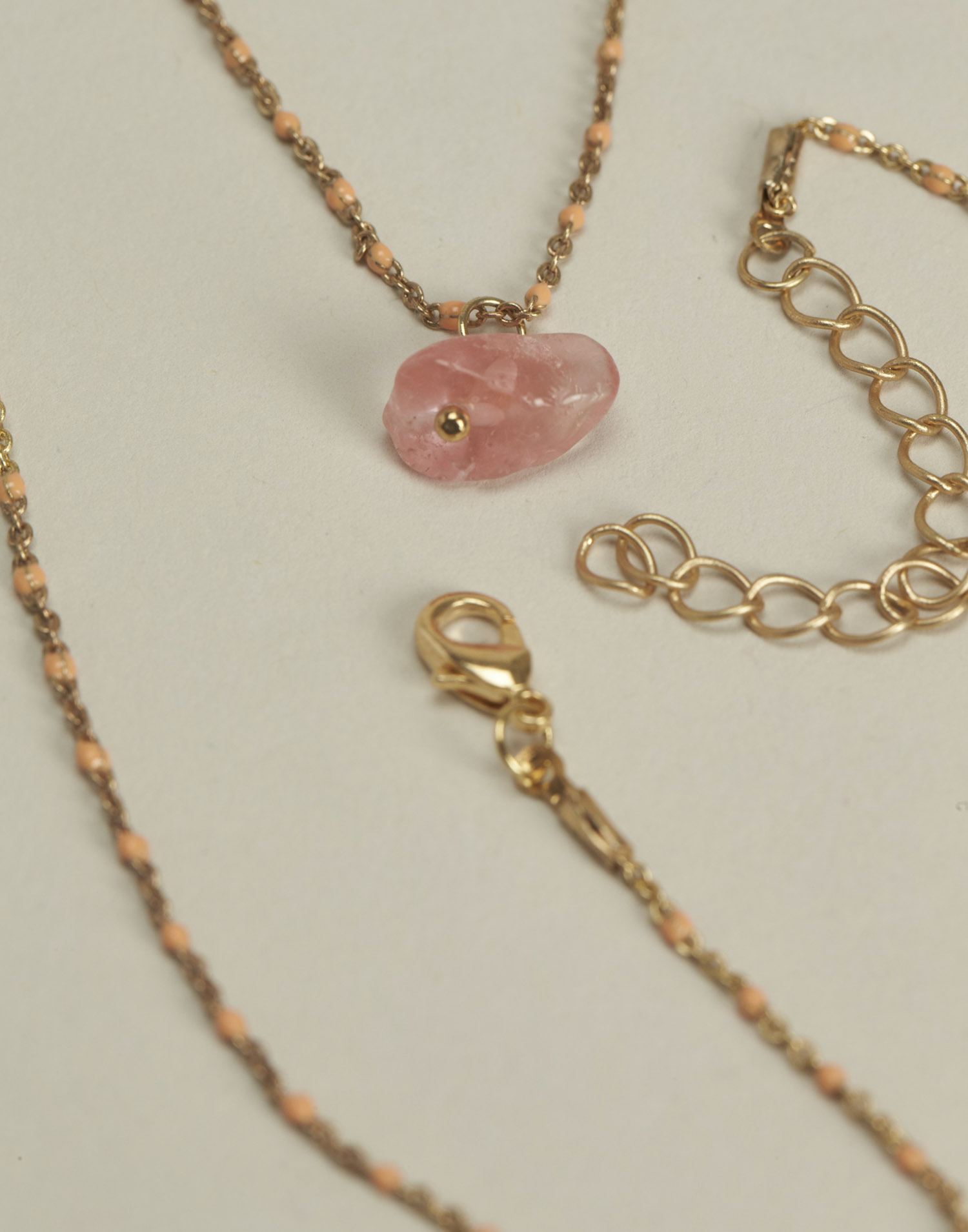 Thin chain stone necklace