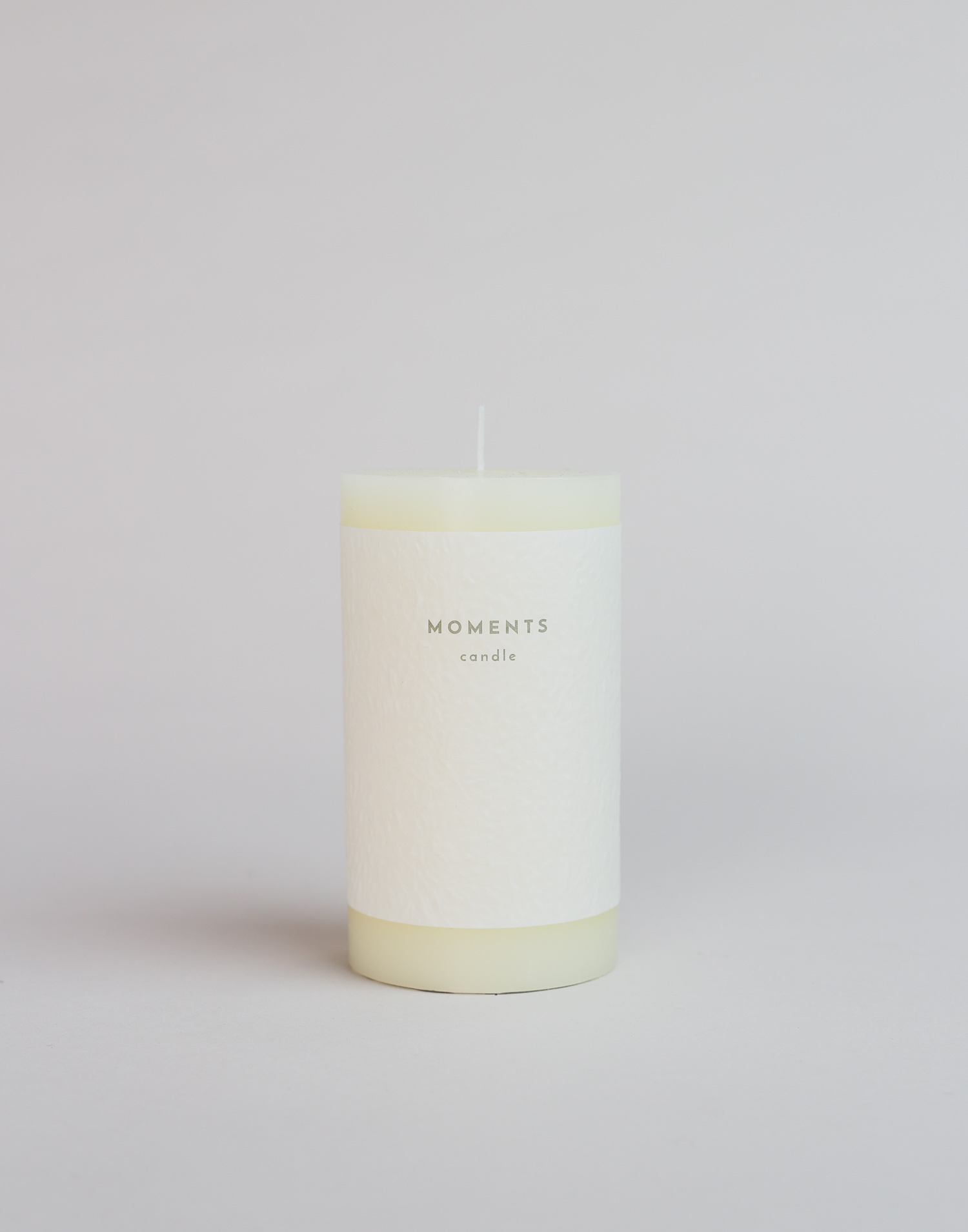 Large fragrance free candle