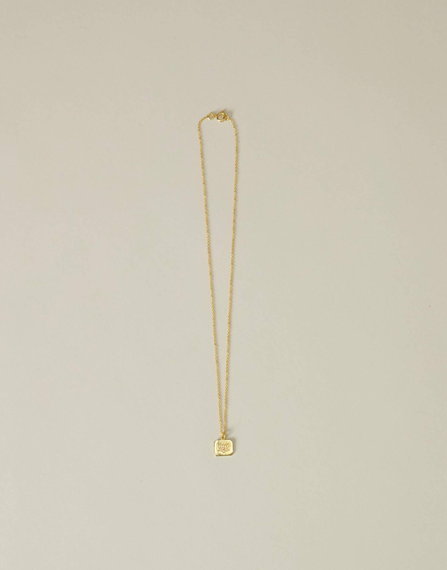 Collar flor de loto baño oro